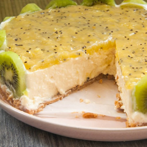 Kiwi Cheese cake served in a plate.